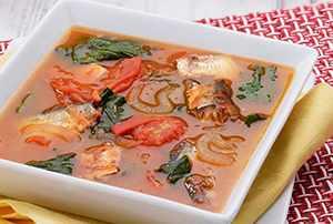 Sopa de tomate con sardinas