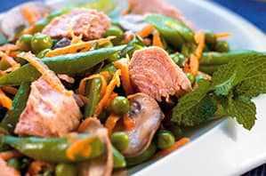 Verduras mixtas con atún