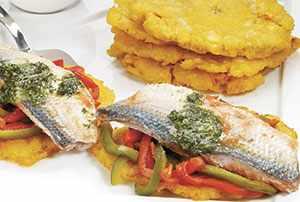 Patacones con sardinas