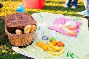 Picnic ideal, cocina y juegos al aire libre