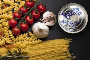 Recetas de espaguetis con atún o con sardinas para tus almuerzos