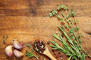 Hierbas y especias en la cocina: el secreto del aroma y el sabor