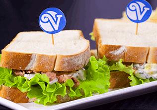 Sandwich Americano con Atún Van Camp's